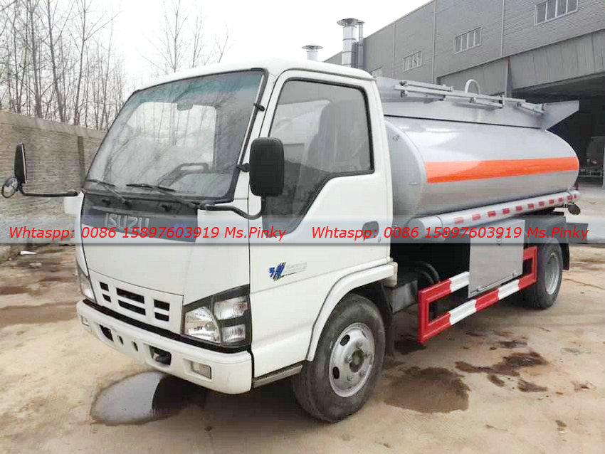 The Pictures Of 5000Liters ISUZU Fuel Tanker Mini ISUZU Trucks, 120HP Engine